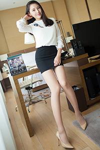 [秀人·爱蜜社]白领丽人刘奕宁性感玉足写真