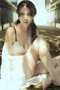 性感中国美女半裸内衣写真