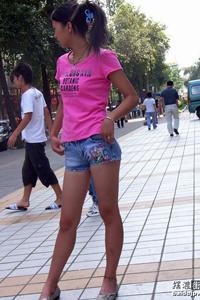 时尚达人热裤街拍