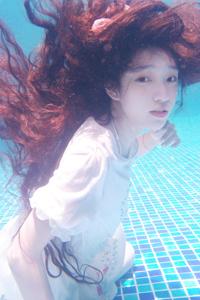 清纯气质美女 水下摄影唯美写真
