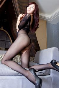 亚洲美女裸模连体黑丝网袜风情私房照