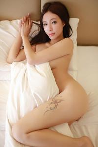[秀人·模范学院]火辣裸模果儿Victoria大尺度人体摄影