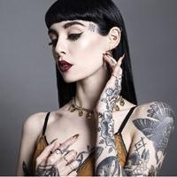 欧美性感美女模特大秀个性纹身图片