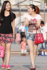 街拍中国90后长发美女夏日图片