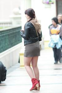 俄罗斯美女超短裙魅惑街拍美女摄影