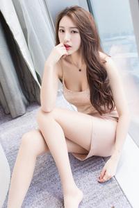 [秀人·爱蜜社]漂亮腿模刘奕宁Lynn气质私房照