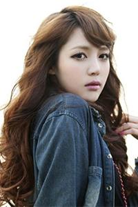 韩式短发新娘盘发