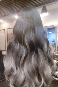 小波浪发型短发