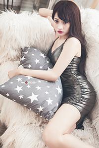 大胸性感超短裙美女冷艳魅惑写真