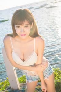 性感吊带女生程小烦青春户外写真