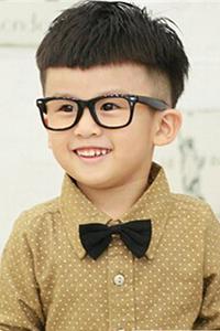 2016圆脸男生发型