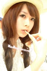 清纯甜美中国模特郝静生活照自拍
