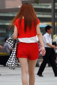 街拍超短裤美臀美女性感照