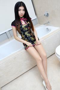 [秀人·爱蜜社]旗袍美女Winki丝姬浴室丝袜美腿秀