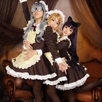 可爱三人女仆装cosplay小萝莉