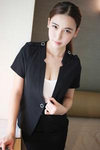 中国模特新人制服诱惑写真图片