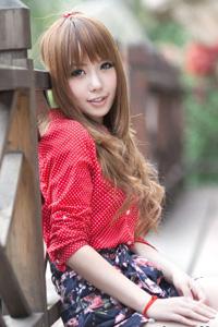 台湾清纯学生妹甜美气质街拍