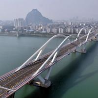 精致婉约航拍宏伟气势的桥图片