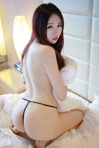 [秀人·模范学院]白嫩美臀丁字裤美女电竞唐嫣私房照