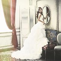 新娘单人白色婚纱礼服图片