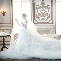 一字肩婚纱礼服唯美新娘图片