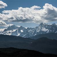 蓝天白云意境雪山唯美图片