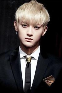 帅气韩国发型男