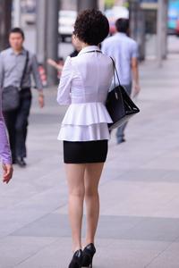 高跟鞋长腿美女性感超短裙街拍