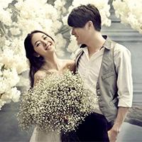 一对新人婚纱礼服搭配图片