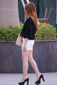 长腿美女高跟鞋超短裙诱惑街拍