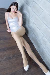 肉丝美腿挑逗美女性感写真摄影