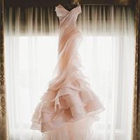 粉色森系婚纱礼服设计图片