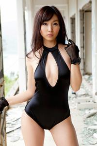 日本冷艳性感美女吉木梨纱紧身内衣露完美曲线