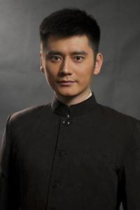 吴磊锅盖头发型