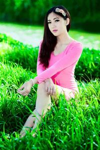 户外清纯美女高颜值白皙肌肤气质迷人