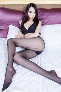性感黑丝女神内衣美臀长腿床上诱惑