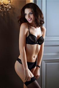 内衣美胸模特Marina Mozzoni优雅性感