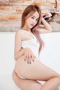 [秀人网]肥臀嫩模虞姬儿妖媚火辣曲线太丰满