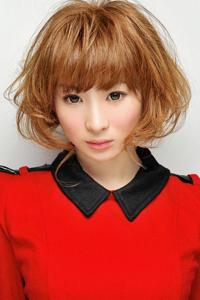 韩式薄薄齐刘海发型