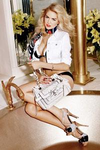 欧美绝色金发女郎性感写真摄影令人血脉喷张