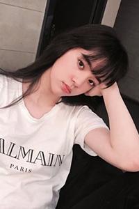 美女空气刘海发型