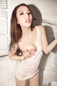 狂野湿身内衣模特大尺度激情美乳诱人浴室写真