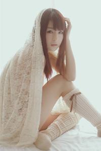 蕾丝少女性感妩媚诱惑白嫩美腿可爱写真