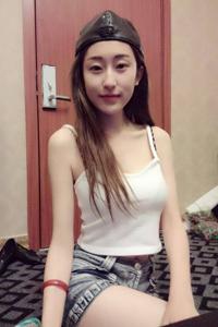 时尚清纯美女王千贞私房生活照自拍