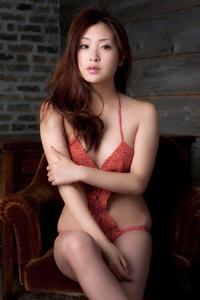 日本美女性感泳装水嫩诱人美胸极致魅惑