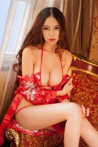 [秀人网]大波熟女杨玉奴比基尼内衣私房火辣写真