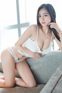[秀人网]妖娆美女胸模佑熙极品人体写真私房照