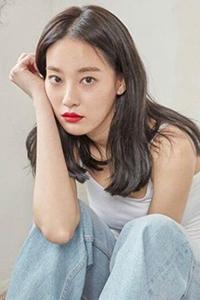 韩系女生空气刘海烫发发型