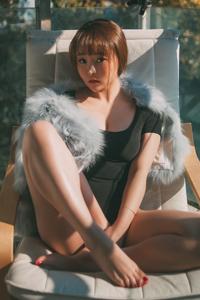 [秀人·波萝社]童颜美女柳侑绮极品人体户外写真