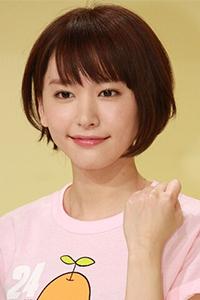 圆脸女生齐刘海甜美齐肩发型